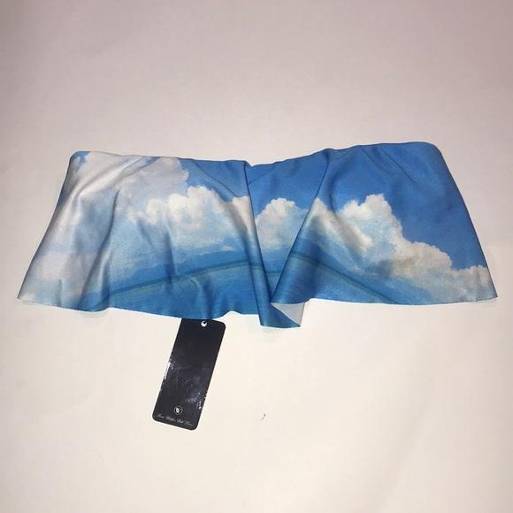 Wildfox Other - NWT Wildfox Cloud Strapless Bikini Top